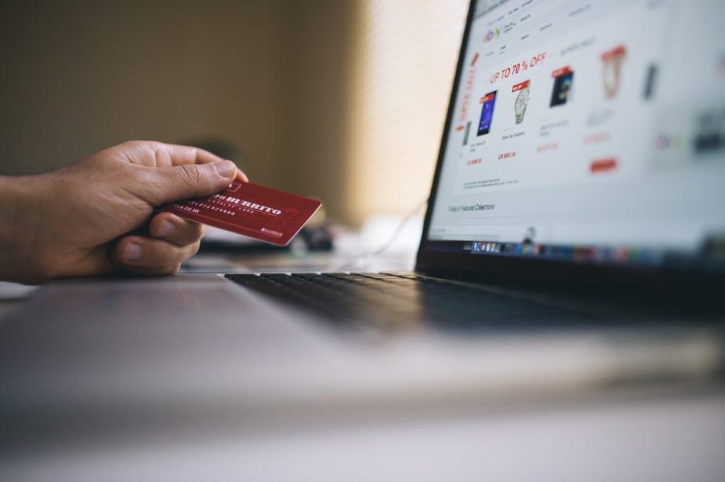 Jak powinny wyglądać opisy produktów w dużym sklepie internetowym?